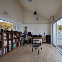 غرفة الميديا تنفيذ 건축사사무소 모뉴멘타