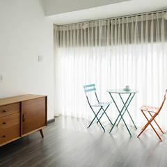Đồ nội thất mang nét hiện đại, thanh lịch.:  Cửa sổ by Công ty TNHH Thiết Kế Xây Dựng Song Phát