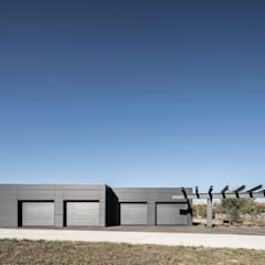 Garage/shed by PAULO MARTINS ARQ&DESIGN