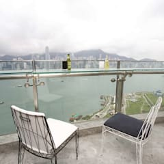 The Harbour Side:  Roof by Clifton Leung Design Workshop, Modern