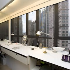 Vantage Park:  Study/office by Clifton Leung Design Workshop
