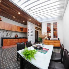 Ngôi Nhà Biến Đổi Bất Ngờ Sau Khi Được Cải Tạo Chỉ Với 350 Triệu:  Phòng ăn by Công ty TNHH Xây Dựng TM – DV Song Phát