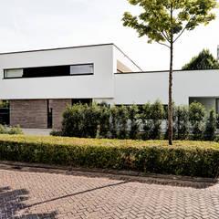 Vooraanzicht:  Villa door BB architecten