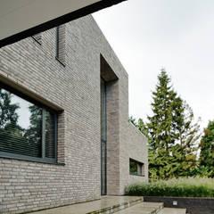 Voorgevel:  Villa door BB architecten