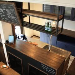 アメリカンヴィンテージスタイルの家: クローバーハウスが手掛けたキッチンです。