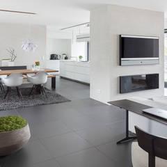 Wohnen-Essen-Kochen:  Esszimmer von habes-architektur