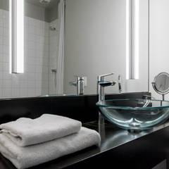Duschbad einer Gästewohnung: klassische Badezimmer von Ohlde Interior Design