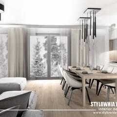 stół z krzesłami: styl , w kategorii Jadalnia zaprojektowany przez Stylownia Wnętrz