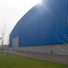 """Centro de Distribución """"PromoMarketing"""": Bodegas de estilo  por JVA"""