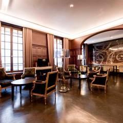 HOTEL CHAMBELLAN MORGANE***: Hôtels de style  par AGENCE DEL IN