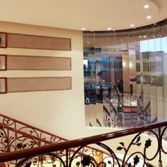 : Escaleras de estilo  por Arq Renny Molina