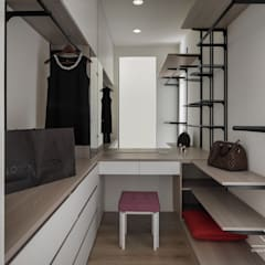 Vestidores de estilo  por 極簡室內設計 Simple Design Studio