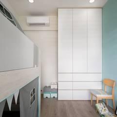 新竹-親家Qest-蕭宅:  嬰兒房/兒童房 by 極簡室內設計 Simple Design Studio