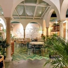 LOBO LOPEZ : Bares y Clubs de estilo  de MisterWils - Decoración Vintage