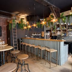 Bars & clubs by DECORACION VINTAGE S.L.