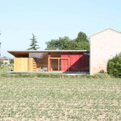 Oleh Massimo Berto Architetto Minimalis Parket Multicolored