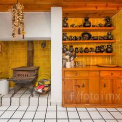 ALBUM III: Aún más ejemplos de algunos trabajos realizados: Cocinas equipadas de estilo  por FOTOIMX: Fotógrafo de Inmuebles en CDMX