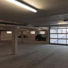 Neubau eines Wohn- und Geschäftshauses:  Treppe von Berghaus und Michalowicz GmbH