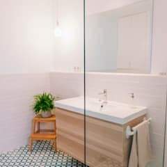 Baño : Baños de estilo  de Oslätt