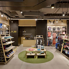 Wilio Kids Sportwear: Ruang Komersial oleh High Street, Industrial