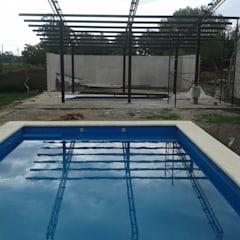 Garden Pool by Adrián Rubiales Arquitecto, Industrial Iron/Steel
