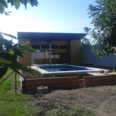 Garden Pool by Adrián Rubiales Arquitecto