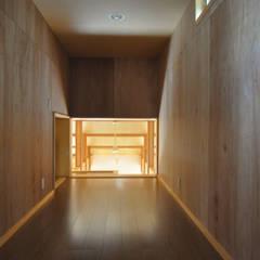 ロフト: (株)独楽蔵 KOMAGURAが手掛けた書斎です。
