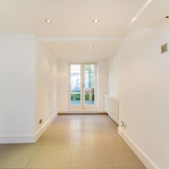 House renovation Redcliffe Gardens SW10:  Corridor & hallway by House Renovation London Ltd