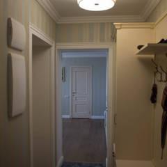 Трехкомнатная квартира в стиле ПРОВАНС. Фото реализованного проекта. Год завершения 2014: Коридор и прихожая в . Автор – Дизайн-студия интерьера и ландшафта 'Деметра'