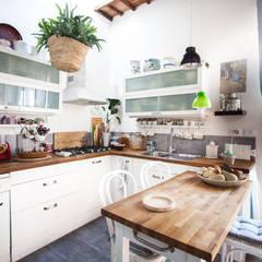 Lucca: Cuisine intégrée de style  par duesudue