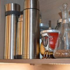 Reforma en Once, Buenos Aires: Muebles de cocinas de estilo  por Sinapsis Estudio