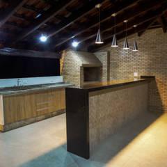 Projekty,  Garaż zaprojektowane przez Traçado Estúdio