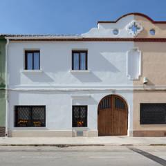 Casa de Ontem: Casas  por Raul Garcia Studio