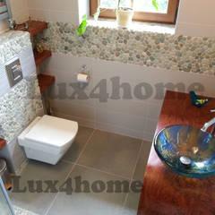 Zielone otoczaki na siatce - mozaika kamienna z otoczaków: styl , w kategorii Łazienka zaprojektowany przez Lux4home™