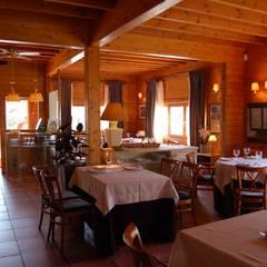 RUSTICASA | Bars + Restaurants | France + Ibérie: Restaurants de style  par EC-BOIS