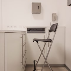 VilaVet:  Clinics by Sena Architects