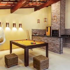 DUE Projetos e Design:  tarz Garaj / Hangar