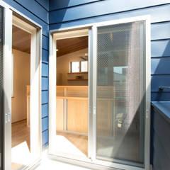 南蒲田の家: 光風舎1級建築士事務所が手掛けたテラス・ベランダです。,北欧