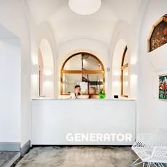 Hotel Generator: Hotel in stile  di Antes srl