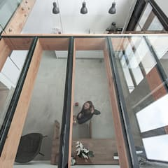 House Overveen:  Keukenblokken door Bloot Architecture