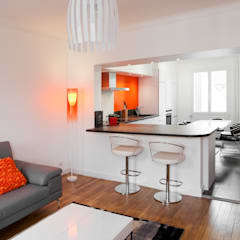 duplex : Cuisine intégrée de style  par la beau d'architecture