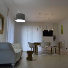 Neo Office: Studio in stile  di Nap Design