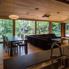 Living room by アトリエ慶野正司 ATELIER KEINO SHOJI ARCHITECTS,