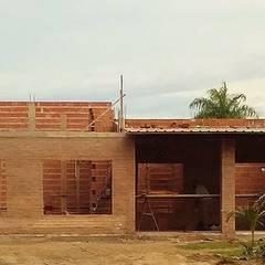 Construcción : Casas de estilo colonial por M2 Arquitectura