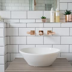Fulthorpe Road - Main Bathroom:  Bathroom by Brass & Rose Interiors