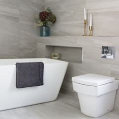 West Winds - Main Bathroom: minimalistic Bathroom by Brass & Rose Interiors
