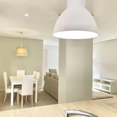 Remodelação Total de Apartamento -Funchal: Salas de jantar  por Ricardo Paulo Henriques Unip Lda