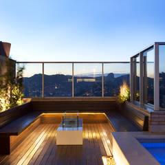 Piscinas de estilo moderno por Daniela Andrade Arquitetura