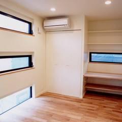 上目黒の家: (有)中尾英己建築設計事務所が手掛けた窓です。