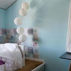 Chambre fille de style  par Pomp & Friends - Interior Designer